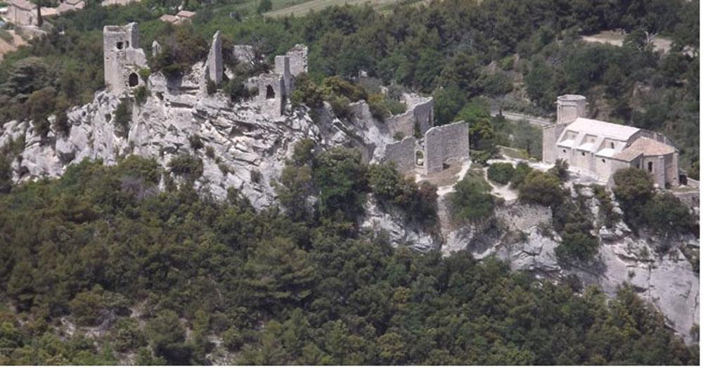 Vue Aerienne de la forteresse d'Oppede